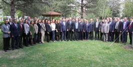 Müdür Formasyon Kurslarında Görev Alan Eğitim Görevlileri ile Değerlendirme Toplantısı